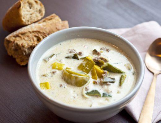 Käse-Lacuh-Hack-Suppe mit Kokosmilch