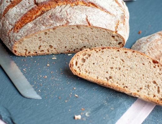 Roggen-Dinkel-Brot mit Sauerteig